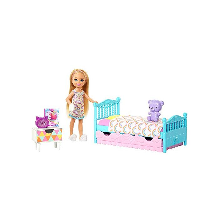 Barbie FXG83 Club Chelsea Playset with 6 Inch Blonde Doll, Bedroom with Working Trundle Bed, Teddy Bear and More, Multicolour (New)
